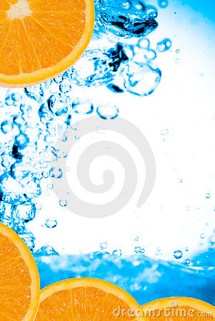 Fresh oranges and water