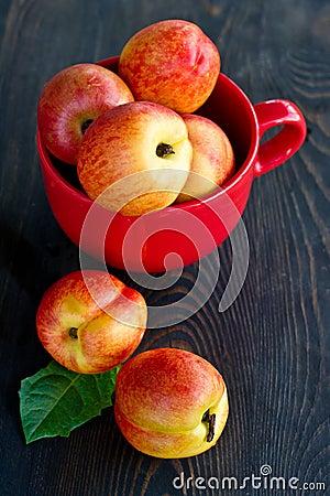 Free Fresh Peaches Stock Photo - 42445900