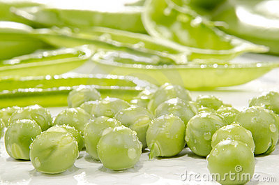 Fresh peas which were cleaned
