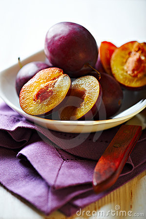 Free Fresh Plums In A Bowl Royalty Free Stock Photo - 21708835