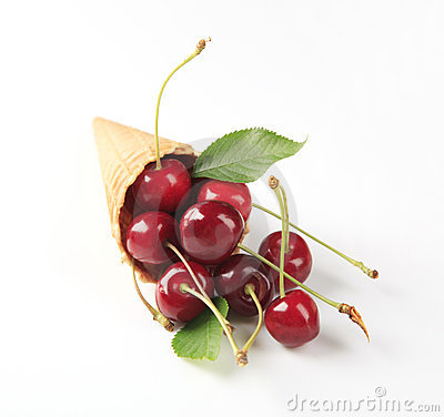 Free Fresh Red Cherries In A Cone Royalty Free Stock Photos - 10335378