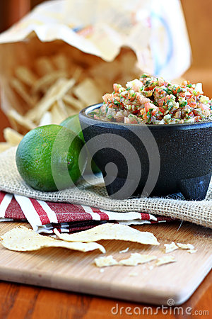 Fresh Salsa with Lime