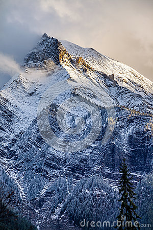 Free Fresh Snow On A Mountain Peak In The Canadian Rockies, British C Royalty Free Stock Photography - 97255767