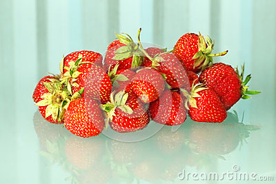 Fresh strawberries heap.