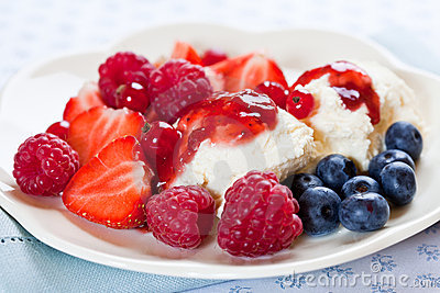 Fresh summer fruits with mascarpone
