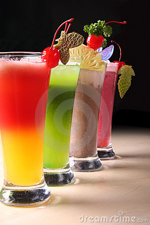 Free Fresh Summer Juices Royalty Free Stock Photography - 5815227