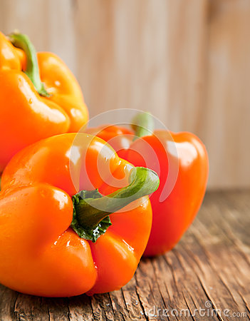 Free Fresh Sweet Orange Pepper Royalty Free Stock Photos - 33350248