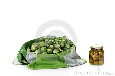 Fresh Versus Canned Brussels Sprouts Stock Images - Image: 16899094