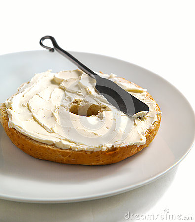 Free Freshly Baked Bagel With Cream Cheese For Breakfast Stock Images - 30474894