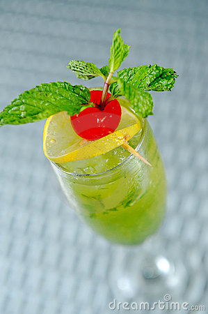 Freshness Cocktail with Mint