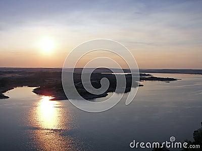 Fridfull solnedgång