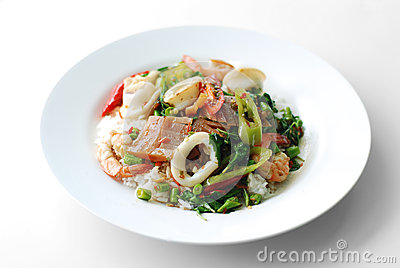 Fried basil leave with squid and shrimp