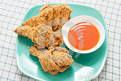 Fried chicken with chili sauce