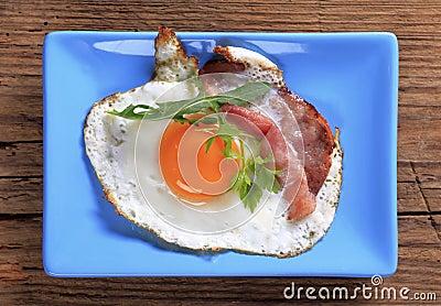 Fried egg and ham