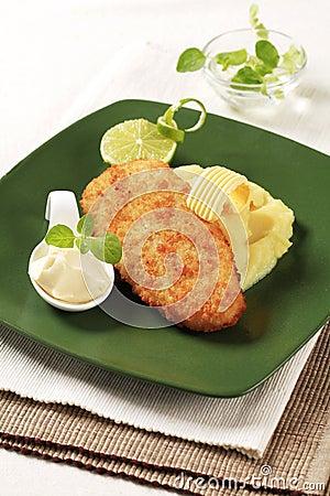 Free Fried Fish And Mashed Potato Royalty Free Stock Photography - 20715727