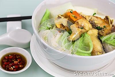 Fried fish rice noodle soup for Rice noodle fish