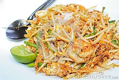 Fried noodle with shrimp