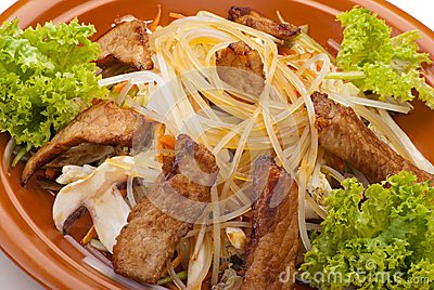 Fried Noodles with Beef and Vegetables
