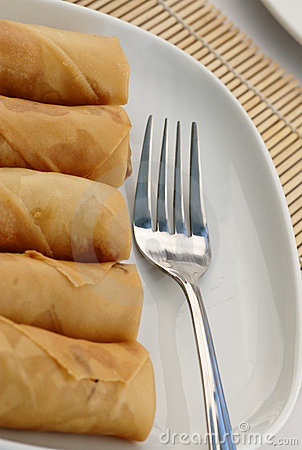 Fried spring rolls or popiah