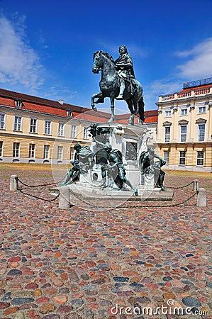 Friedrich Wilhelm I, Charlottenburg