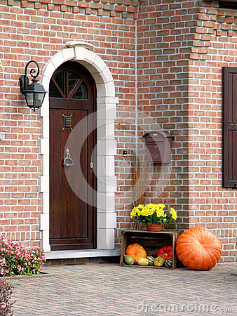 Friendly entrance door