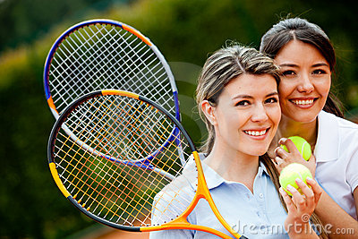 Friendly tennis players