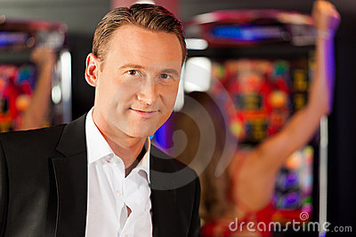 Friends in Casino on slot machine