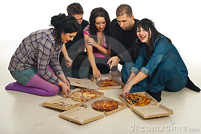 Friends  eating pizza  home
