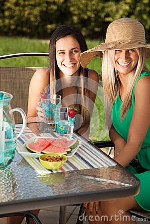 Free Friends Having Lunch At A Cafe Laughing And Smiling Stock Photography - 31014172