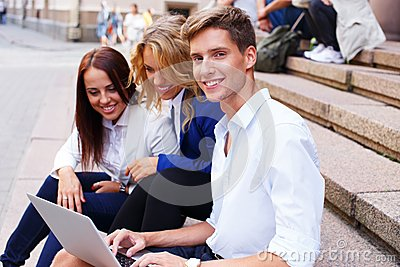 Friends with laptop