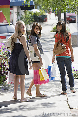 Free Friends Shopping Royalty Free Stock Photo - 9631245
