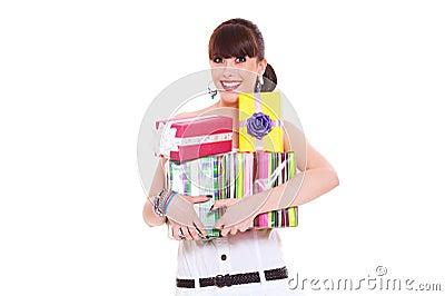 Frohe Frau mit Geschenken