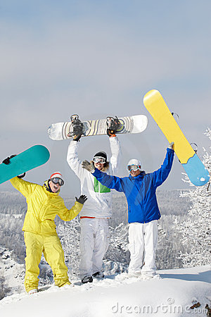 Frohe Snowboarders