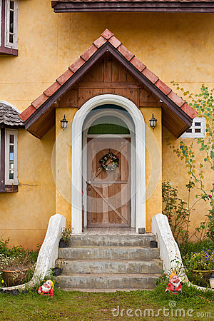 Front door of Europe Style