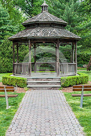 Free Front Of Gazebo With Wooden Benches And Paver Path. Stock Photo - 54656900