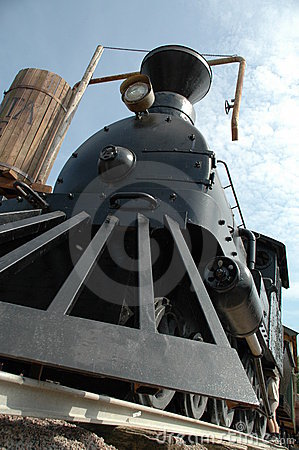 Free Front Of Old Steam Locomotive Royalty Free Stock Image - 2955516