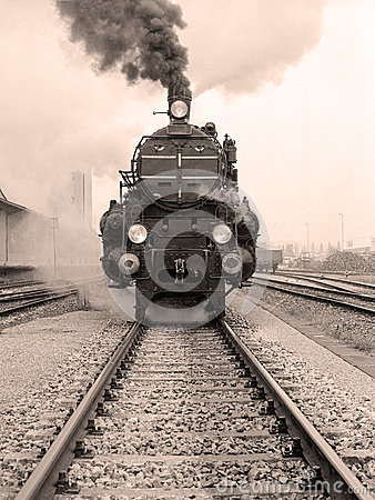 Free Front View Of An Old-fashioned Steam Locomotive Stock Photography - 53022892