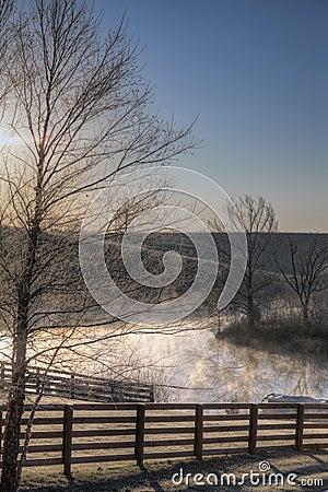 Free Frosty Sunrise Stock Photography - 26214652
