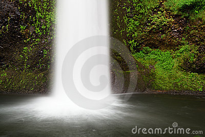 Frothy Falls into Moss lagoon Left
