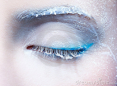 Frozen eye zone makeup