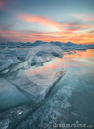 Free Frozen Sea During Sunset Royalty Free Stock Photos - 118016228