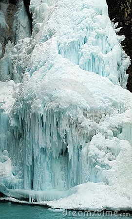 Free Frozen Waterfall Royalty Free Stock Photos - 4329498