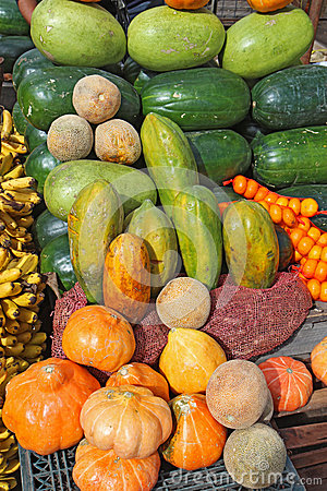 Free Fruit And Vegetables In Ecuador Royalty Free Stock Image - 25350296