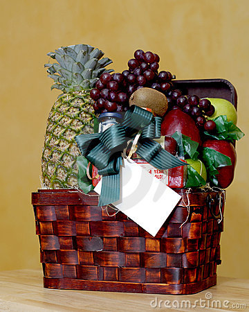 Free Fruit Basket With Gift Card Stock Photography - 1827572