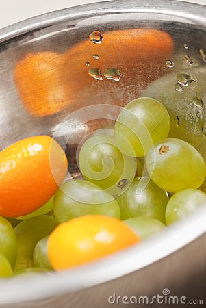 Fruit dish