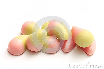 Fruit gum with yogurt