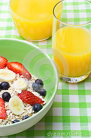 Fruit and Oat Breakfast
