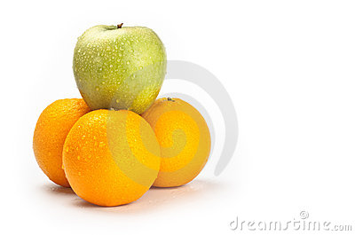 Fruit pyramid with water drops