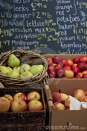 Free Fruit Stand Stock Photos - 15732313