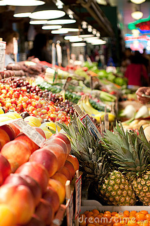 Free Fruit Stand At The Pike Place Market, Seattle Royalty Free Stock Photography - 10333127